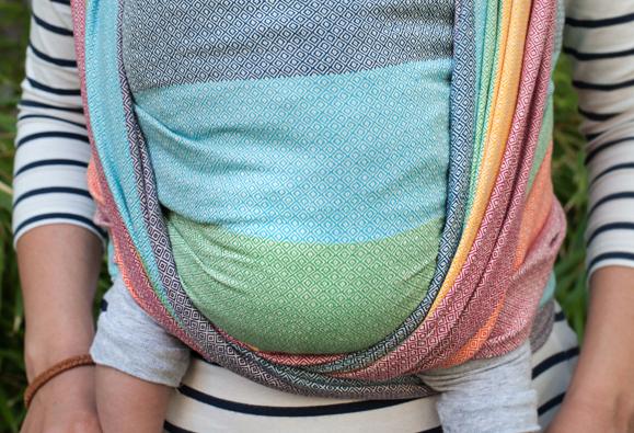 + Bien noué, ce porte-bébé s adapte au porteur et à l enfant de manière  optimale et individuelle 80c6f45c0f7